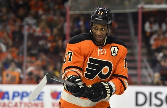 Apr 9, 2016; Philadelphia, PA, USA; Philadelphia Flyers right wing Wayne Simmonds (17) calls a play on the ice during the second period against the Pittsburgh Penguins at Wells Fargo Center. Mandatory Credit: Derik Hamilton-USA TODAY Sports
