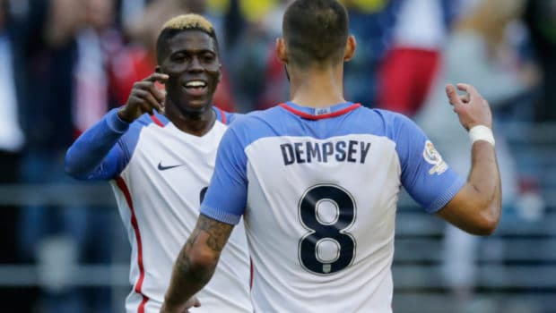 USA's Gyasi Zardes(L)celebrates with Clint Dempsey after scoring against Ecuador during their Copa America Centenario football tournament quarterfinal match, in Seattle, Washington, United States, on June 16, 2016.  / AFP / Jason REDMOND        (Photo credit should read JASON REDMOND/AFP/Getty Images)