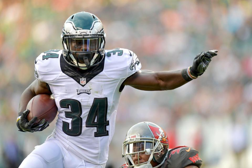 Eagles Fan Fave Kenjon Barner Signs With Chargers Fast