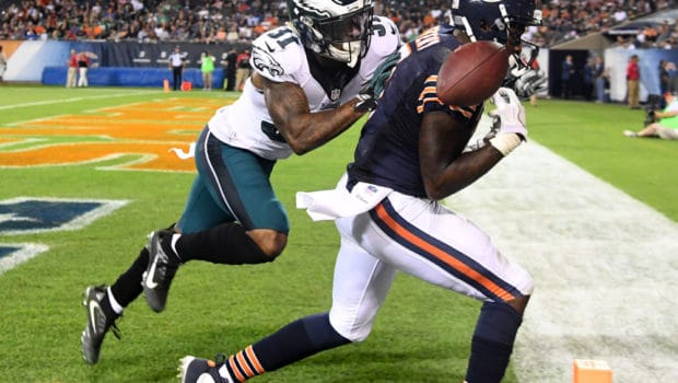 Sep 19, 2016; Chicago, IL, USA;  Chicago Bears wide receiver Alshon Jeffery (17) attempts to make a touchdown catch as Philadelphia Eagles free safety Jalen Mills (31) defends during the second half at Soldier Field. The Eagles won 29-14. Mandatory Credit: Mike DiNovo-USA TODAY Sports
