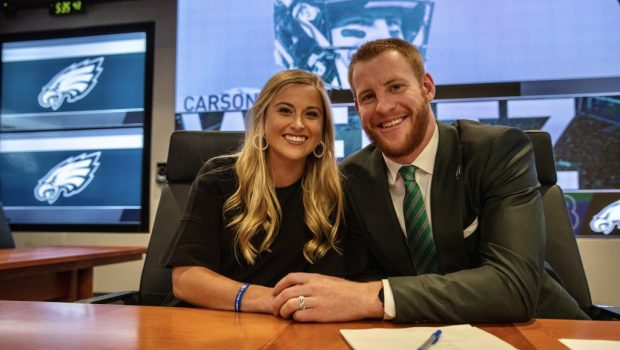 Eagles Family Man Wentz Commits To Philly With No Regrets Fast